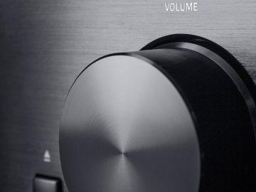 nahaufnahme vom lautstärkeregler des kombo62 stereo receivers