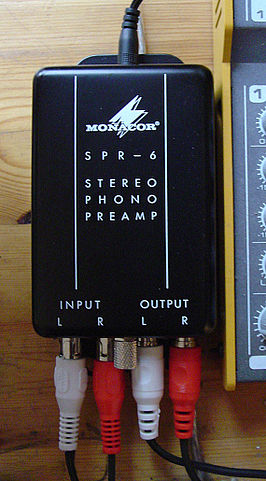 266px-Phono-preamp