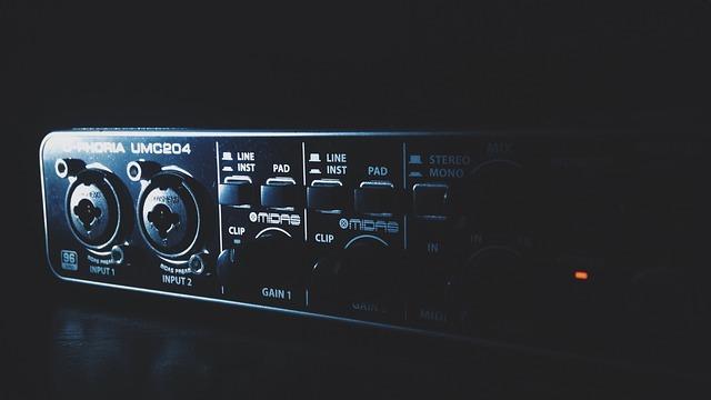 Ein Audiointerface: unentbehrlich, wenn Sie Musik aufnehmen möchten