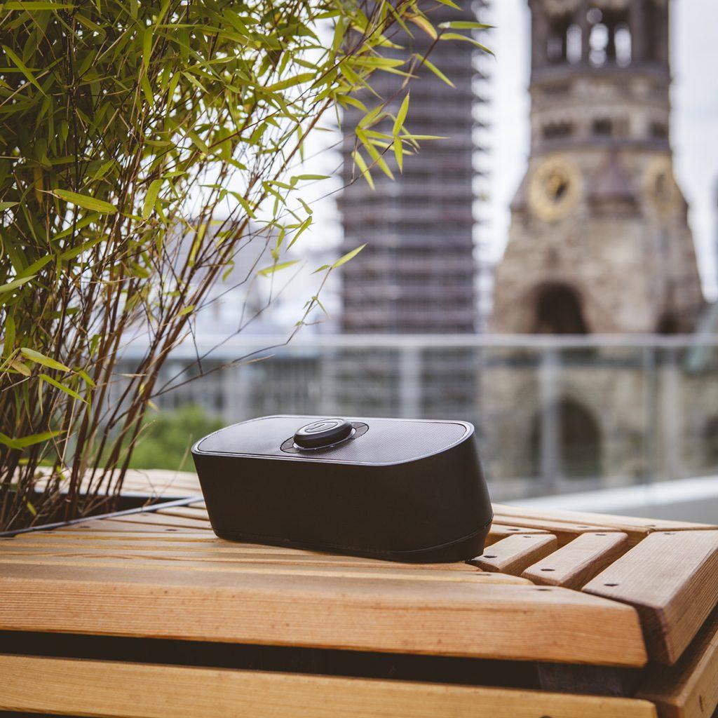 BAMSTER PRO portable speaker