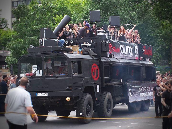 Thundertruck auf dem CSD 2015