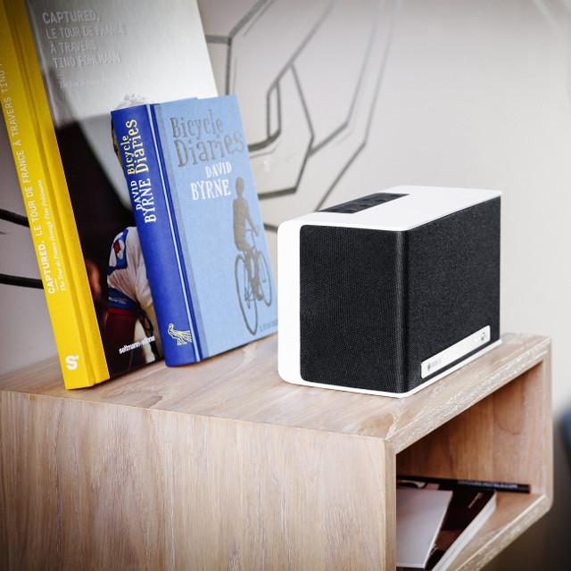 lautsprecher f r das tablet mit 3 fragen zur richtigen wahl. Black Bedroom Furniture Sets. Home Design Ideas