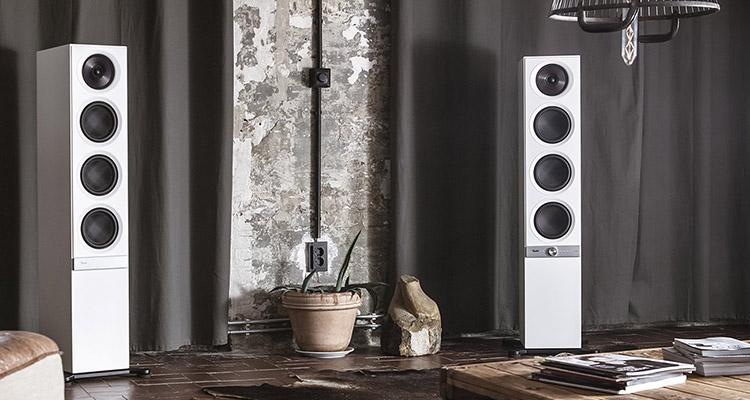 Darstellung der Standlautsprecher Stereo L, die auch geringer MP3-Qualität starken Sound liefern können.