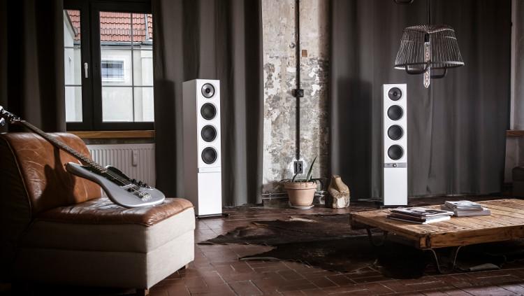 Die Streaming-Lautsprecher Stereo L in weißer Ausführung.