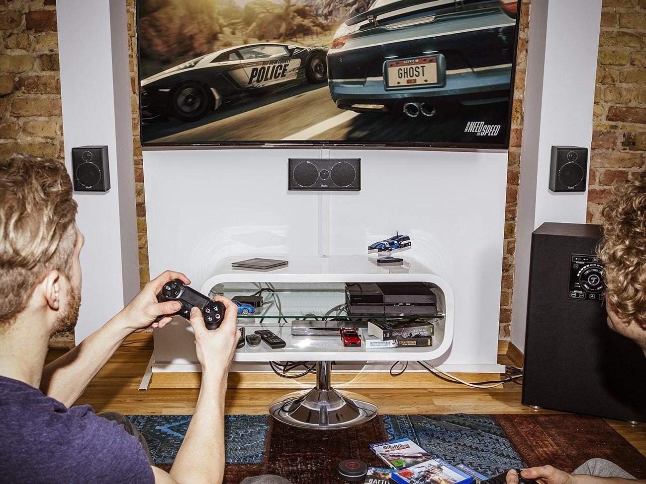 """Concept E450 Digital """"5.1-Set"""" - starker Sound beim Streamen von Games mit Google Stadia."""