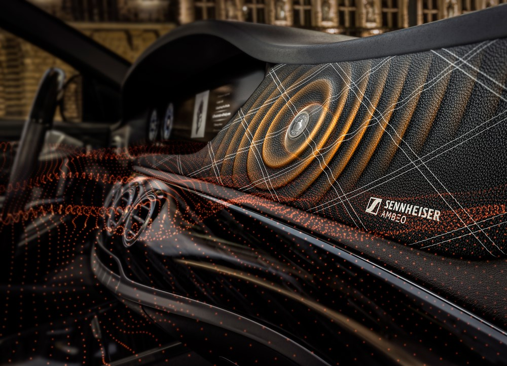 Konzeptbild Innenraum Auto Continental und Sennheiser