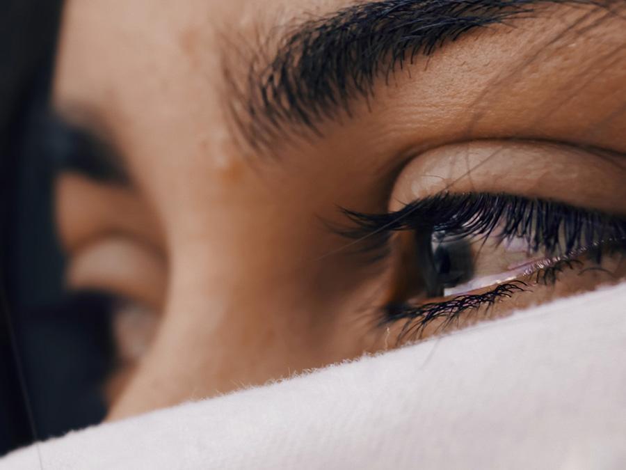 Tranen in de ogen van een vrouw