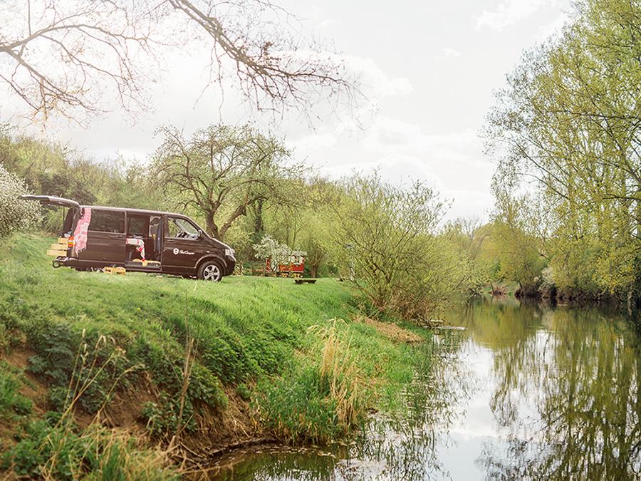 Camper am Wasser